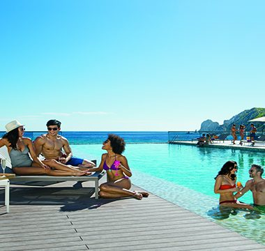 csl-gallery-friends-infinity-pool